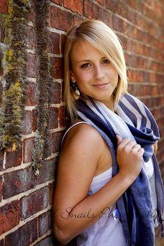 40 Brilliant Senior Picture Ideas For Girls | http://stylishwife.com/2014/10/brilliant-senior-picture-ideas-for-girls.html