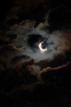 ciel nuageux, nuit, lune, noir