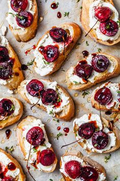 This Goat Cheese and Balsamic Roasted Cherry Crostini recipe is featured in the Toast and Tartine feed along with many more. Yummy Appetizers, Appetizer Recipes, Party Appetizers, Recipes Dinner, Breakfast Recipes, Cherry Recipes, Greek Recipes, Apple Recipes, Salmon Recipes