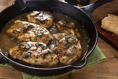 This easy creamy low carb keto chicken marsala is a great mouth watering Italian dish that consists of juicy chicken breasts and delicious creamy sauce. Chicken Marsala Crockpot, Chicken Marsala Creamy, Creamy White Chicken Chili, Slow Cooker Creamy Chicken, Baked Chicken Wings, Keto Chicken, Chicken Recipes, Chicken Breasts, Cheesy Chicken Enchiladas
