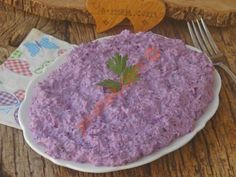 It Will Be The Favorite Of The Table With Its Color And Taste: Purple Cabbage Tarator - Potato Tarator Recipe, How To … (With pictures) - Pasta, Lunch Snacks, Homemade Beauty Products, Coleslaw, Food And Drink, Recipes, Purple Table, Purple Cabbage, Kitchens