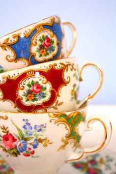 pretty tea cups all in a row.