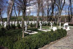 Vojenský cintorín v Petržalke | Na krásnom modrom Dunaji