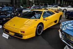 #Lamborghini #Diablo à l'exposition #Bonhams au #Grand_Palais Reportage et résultats : http://newsdanciennes.com/2016/02/09/les-grandes-marques-au-grand-palais-par-bonhams-exposition-et-resultats/ #Voiture #Ancienne #ClassicCar