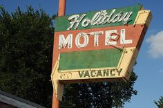 Holiday Motel - Kingman, Kansas by G. O'Graffer, via Flickr