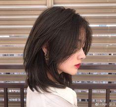 Medium Hair Cuts, Short Hair Cuts, Medium Hair Styles, Curly Hair Styles, Asian Short Hair, Short Hair Korean Style, Ulzzang Short Hair, Korean Haircut Medium, Iu Short Hair