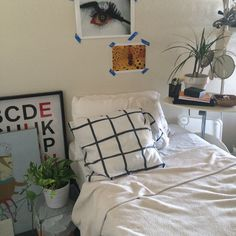 soft ghetto blog, sky-peach:   my bestfreind's room is goals af