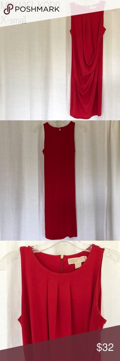 Michael Kors dress back zipper, polyester/spandex, good condition. Fast shipping. Michael Kors Dresses Midi