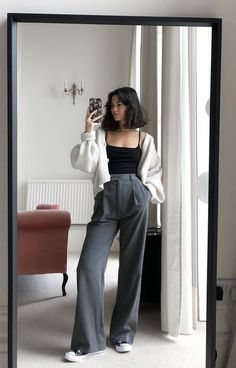 Cute Comfy Outfits, Classy Outfits, Cool Outfits, Korean Girl Fashion, Korean Street Fashion, Korean Casual Outfits, Dr Shoes, Mode Ootd, Winter Fashion Outfits