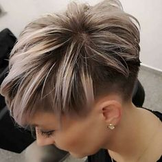 Pixie Bob Haircut, Short Pixie Haircuts, Short Haircut, Pixie Hairstyles, Sassy Haircuts, Hairstyles 2018, Haircuts For Fine Hair, Short Hairstyles For Women, Straight Hairstyles