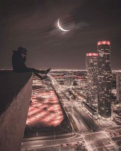 photography, building, and city image Parkour, Urban Photography, Street Photography, Beautiful Places, Beautiful Pictures, Jolie Photo, Aesthetic Pictures, Wallpaper Backgrounds, Wallpapers