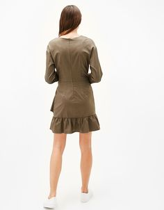Trench-style dress with 3/4 length sleeves and frills - Dresses - Bershka Spain