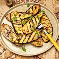 Gegrilde Aubergine Recipe on Yummly. Nutritional Value Of Eggplant, Food Porn, Bbq Zucchini, Eggplant Benefits, Grilled Eggplant, Bbq Party, Bbq Grill, Eggplant Recipes, Stuffed Peppers