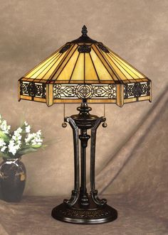 Quoizel Indus Tiffany Table Lamp - By creating your dining table setting different things and eye-pleasing, dining can be an enjoyable experience. Tiffany Stained Glass, Stained Glass Lamps, Tiffany Glass, Tiffany Kunst, Tiffany Art, Art Nouveau, Retro Lampe, Tiffany Style Table Lamps, Tiffany Chandelier