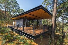 BROISSINarchitects Design a Family House Under the Trees
