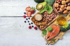 Ξεφούσκωμα Express: Εξαφανίστε 13 κιλά ακαθαρσιών από το έντερό σας, με αυτή τη σπιτική συνταγή! - Ομορφιά & Υγεία - Athens magazine Low Calorie Recipes, Diet Recipes, Healthy Recipes, Healthy Food, Eating Healthy, Healthy Tips, Lower Your Cholesterol, Cholesterol Diet, Whole 30 Diet