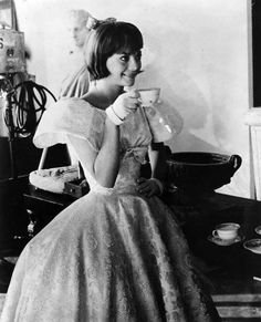 Natalie Wood takes a break while filming Inside Daisy Clover