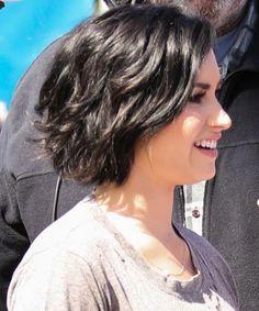 Short Pixie Haircuts for Women - Demi Lovato