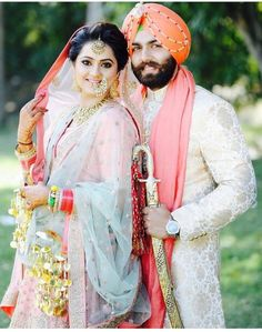 Traditional dress of punjabi couple pictures Punjabi Wedding Couple, Indian Wedding Couple Photography, Wedding Reception Photography, Punjabi Couple, Sikh Wedding, Bridal Photography, Wedding Poses, Wedding Photoshoot, Wedding Couples