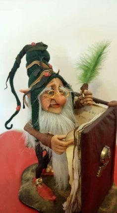Fmj Elves And Fairies, Clay Fairies, Fantasy Wizard, Fantasy Art, Dragons, Fantasy Figures, Elf Doll, Fairy Figurines, Polymer Clay Dolls