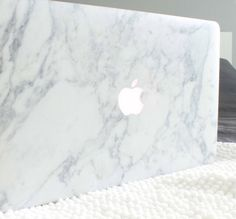 Marble MacBook  Available at  www.uniqfind.com  #marble #marblemac  #minimalism #uniqfind