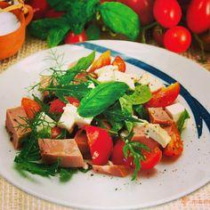 Insalata di mortadella #insalate #salad #mortazza #mortadella #pomodorini #ricottacheese #ricotta #cheese #menta #basilico #dinner #summerdinner #piattiestivi #instafood #foodforn #italianfood #mastercucina La soluzione perfetta per quelle serate nate all'improvviso...🍜🍷