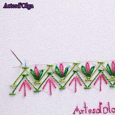 Aprende a bordar puntadas decorativas. Ribbon Embroidery Tutorial, Border Embroidery Designs, Hand Embroidery Videos, Hand Embroidery Flowers, Embroidery Flowers Pattern, Creative Embroidery, Embroidery Stitches Tutorial, Simple Embroidery, Learn Embroidery