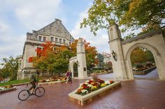 No surprise to Hoosiers, Indiana University continues to be hailed as one of America's prettiest college campuses.
