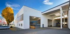 Laumer Komplettbau - Rottaler Furnier Eggenfelden. Foto: Peters #laumer #beton #architekturbeton #architektur #produktionshalle #büro #binder #architecture #architecturephotography #architecturelovers #concrete #concreteart
