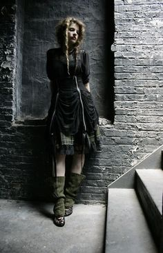 I LOVE this, the plaid, the legwarmers, the black & green, the layers. Black forest Mori girl, strega