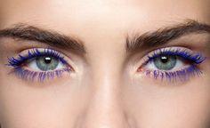 Bunte Wimpern: Diese Mascara passt zu deiner Augenfarbe