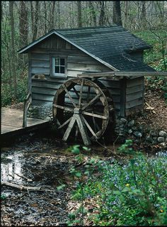Water wheel by rexp2, via Flickr