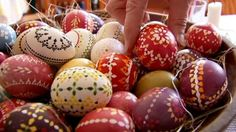 A Slavic community in Germany is keeping alive the traditional craft of Easter egg painting. The Sorbian heritage museum in Dissen has been teaching children how to master the intricate patterns. The eggs can be decorated in different ways to convey a message to the recipient.