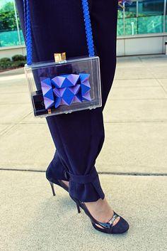 DIY: Transparent geometric clutch