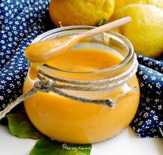 Easy lemon curd ideale per tutti i giorni, per le vacanze e le occasioni speciali. Così profumata e deliziosa sarà come il sole d'estate su un cucchiaio!
