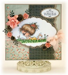 Stunning Daisy in the sun card by DT-member Bev Rochester. She used the Don & Daisy clearstamp DDS3320 and papers of paper bloc Dark Vintage PK9082