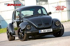 black beetle no spots. Volkswagen Beetle Vintage, Vw T1, Carros Vw, German Look, Vw Super Beetle, Bug Car, Vw Classic, Vw Vintage, Vw Cars