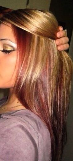 auburn hair with chunky blonde highlights but it will work with dark hair color too. Hair Color Auburn, Auburn Hair, Red Hair Color, Color Red, Hair Colors, Red Hair With Blonde Highlights, Red To Blonde, Color Highlights, Golden Blonde