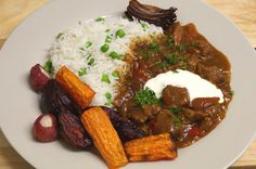 Jenny Eatwell's Rhubarb & Ginger: Simple Slow Cooker Beef Goulash, but with loads of flavour