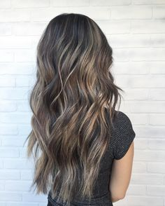 Are you looking for best hair colors to apply for long hair? Just see here, we have made a collection of fantastic long balayage colored hairstyles Blonde Hair Dye Colors, Dyed Blonde Hair, Brown Blonde Hair, Brunette Hair, Brown Hair Balayage, Hair Highlights, Dark Brunette Balayage, Bayalage, Before Wedding
