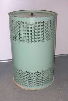 Vintage Jadite Green Metal Laundry Hamper by wearesellingit Vintage Laundry, Vintage Kitchen, Retro Vintage, Vintage Stuff, Metal Laundry Basket, Laundry Hamper, Laundry Room, Vintage Baskets, Vintage Bathrooms