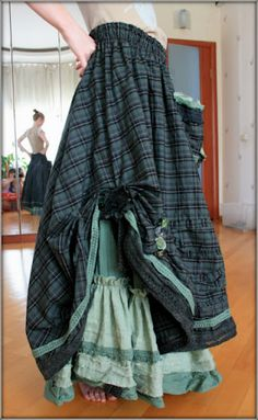 A collection of funky layered skirts... so many ideas...