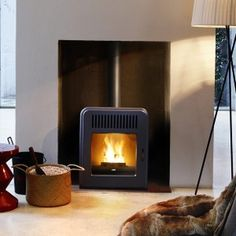 MCZ Cute air air pellet stove - Black metal cladding as standard Davidson Homes, Wood Pellet Stoves, Metal Cladding, Wood Pellets, Wood Detail, Wood Burner, Home Projects, Sweet Home, Ovens