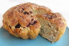 Ψωμί ζυμωτό με ελιές και παπαρουνόσπορο. Εύκολο ζυμωτό ψωμί με ελιές και παπαρουνόσπορο... Bagel, Banana Bread, Spinach, Muffin, Pie, Baking, Breakfast, Desserts, Food