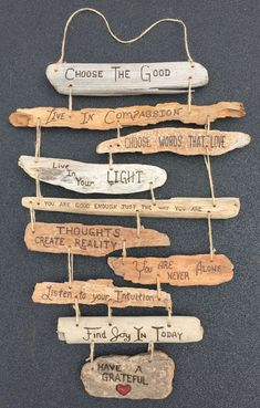 Family Rules Driftwood Sign Collage by DestinationTree - Wohnkultur Ideen - Deco Home Driftwood Signs, Driftwood Projects, Driftwood Sculpture, Driftwood Art, Diy Projects, Driftwood Ideas, Driftwood Mobile, Painted Driftwood, Painted Wood
