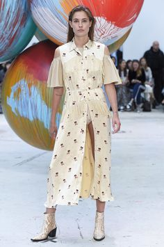 See the complete Ganni Spring 2017 collection from Copenhagen Fashion Week.