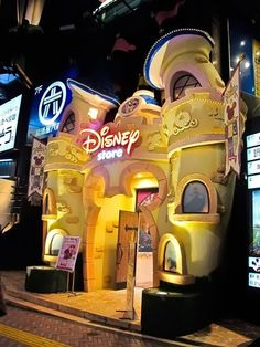 The Most Special Shops in Disney World – the best places for one of a kind souvenirs by glenna