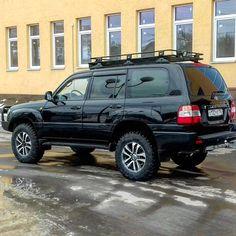 100 Series Landcruiser, Landcruiser 100, Toyota Lc, Toyota Trucks, Carros Toyota, Lexus Gx 460, Toyota Land Cruiser 100, Camper Van Conversion Diy, Expedition Vehicle