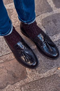 men's loafers shoes casual / men's loafers men's loafers outfit men's loafers shoes men's loafers casual men's loafers shoes casual men's loafers with jeans men's loafers suede men's loafers with suit Outfit Loafers, Moccasins Outfit, Loafers With Socks, Mens Loafers Shoes, Oxford Shoes Outfit, Women Oxford Shoes, Black Loafers, Loafers For Women, Loafer Shoes