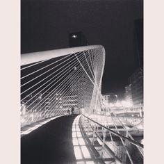 Zubizuri. Santiago Calatrava. Bilbao.